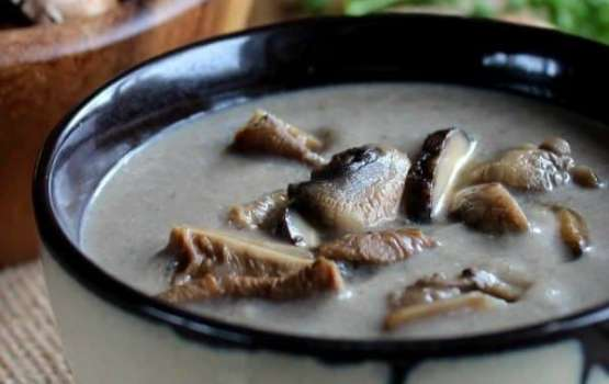 Soup from dried mushrooms